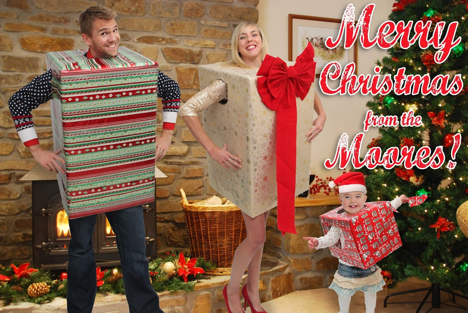 http://www.jakesblog.co.uk/2013/11/the-moores-cheesy-christmas-photos.html