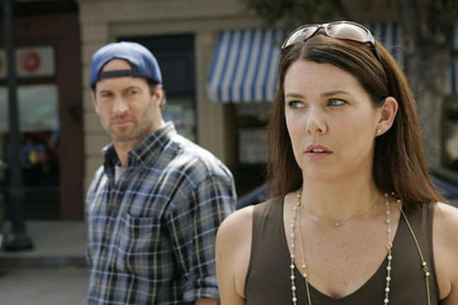http://www.melty.com/gilmore-girls-what-we-know-about-the-netflix-survival-so-far-galerie-7279-8925.html