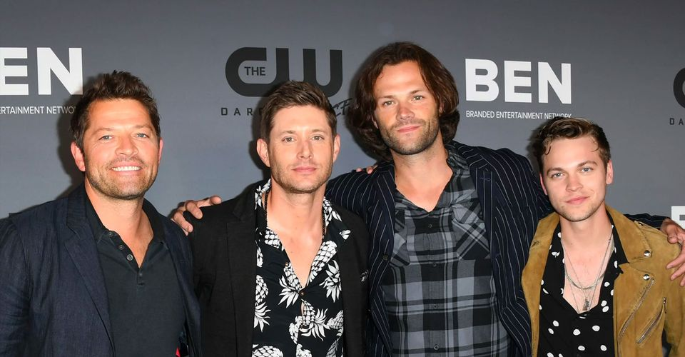 https://static0.thethingsimages.com/wordpress/wp-content/uploads/2020/05/Supernatural-Cast.jpg?q=50&fit=crop&w=960&h=500