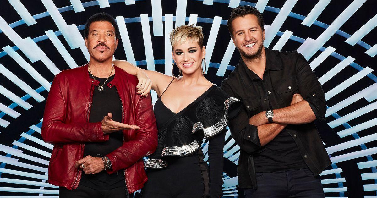 Katy Perry Pranks Luke Bryan on 'American Idol' | TheThings