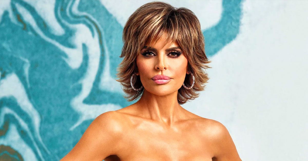 Lisa Rinna In A Lime Green Versace Suite Is 2020's Fashion Mic Drop