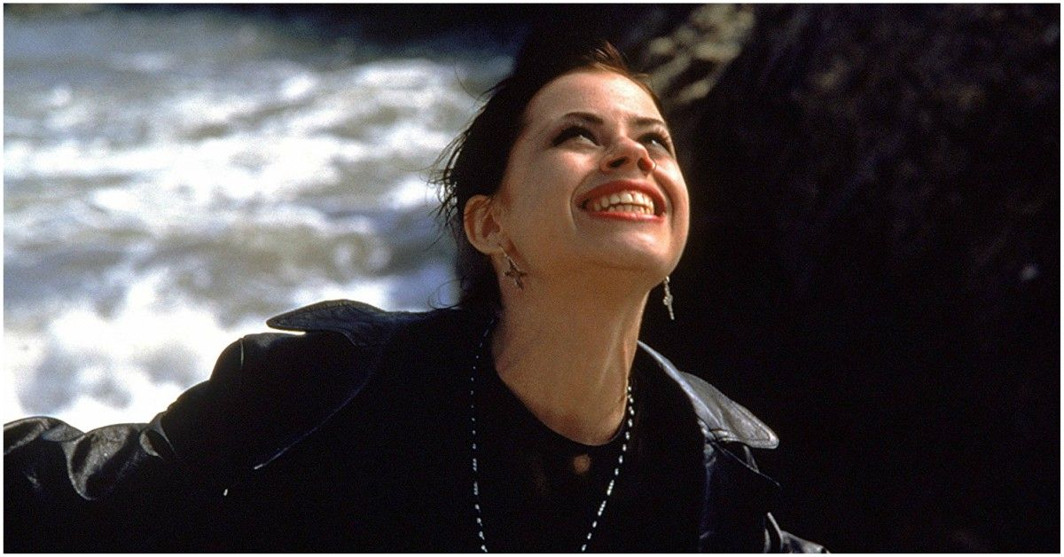 Halloween Edition: This Is What Nancy From 'The Craft' Looks Like Today