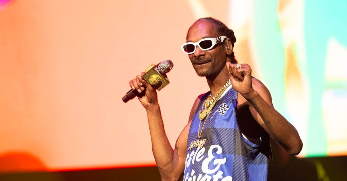 Snoop Dogg Will Vote For The First Time, Tells Americans To 'Drop It Like Its Hot'