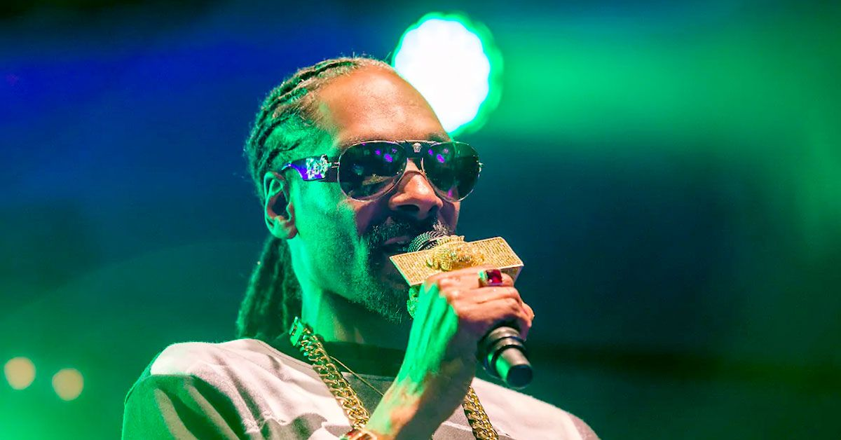 Snoop Dogg's Idea Of 'Mini Me' Is As Creepy As It Is Cool