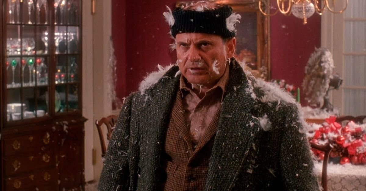 Chris Columbus Spills Hilarious Story About Joe Pesci In 'Home Alone'