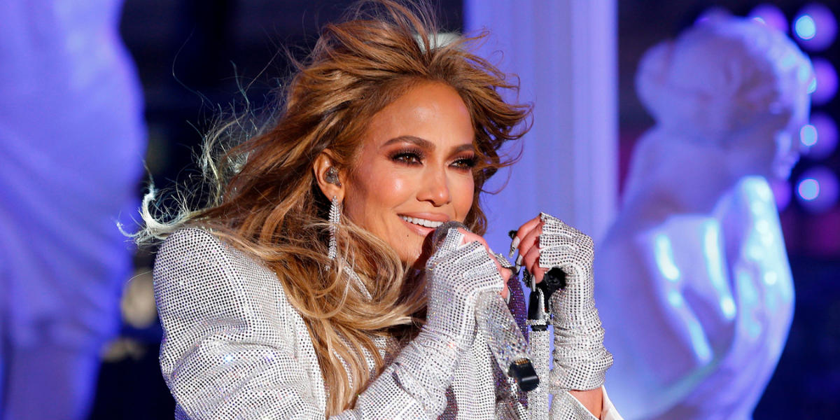 J-Lo's Family Kept The Party Going After Her 'New Year's Rockin' Eve' Performance