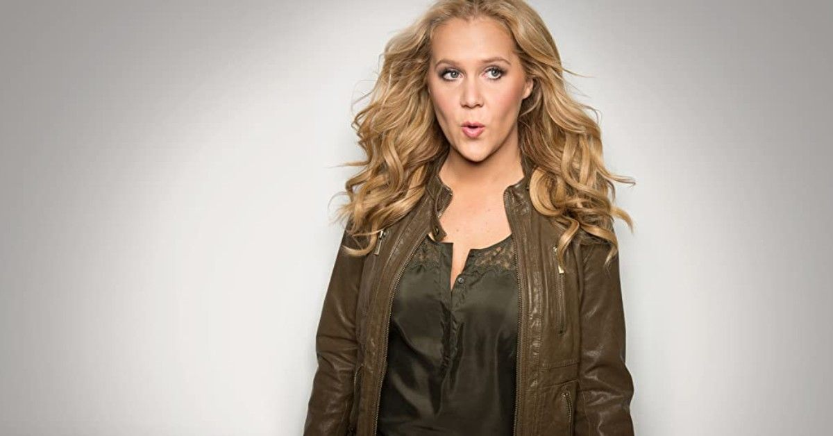 Amy Schumer's Ad For Tampax Has Fans In Hysterics | TheThings