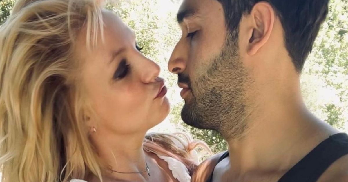 Britney Spears Fans Say She's 'Not Well' And Her Fiancé 'Knows It'