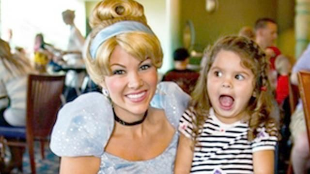 10 Things You Should Never Do At Disneyland